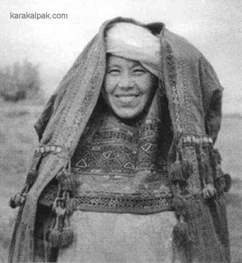 Woman wearing a kiymeshek and a jegde