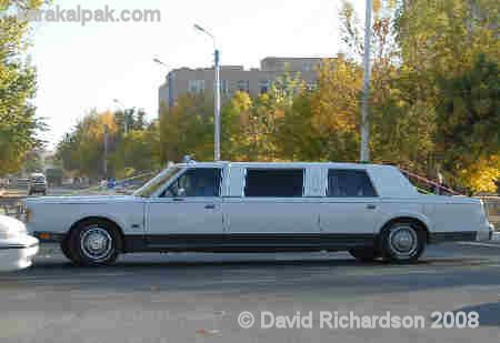 A stretched limo in No'kis